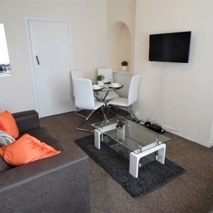 Rent this 4 bed apartment on Bowden Drive in Glasgow G52 2LN, United Kingdom