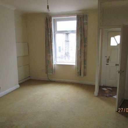 Rent this 2 bed house on Londis in Halifax Road, Rochdale OL12 9PU