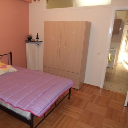 Rent this 3 bed room on Νικοσθένους in 116 34 Athens, Greece
