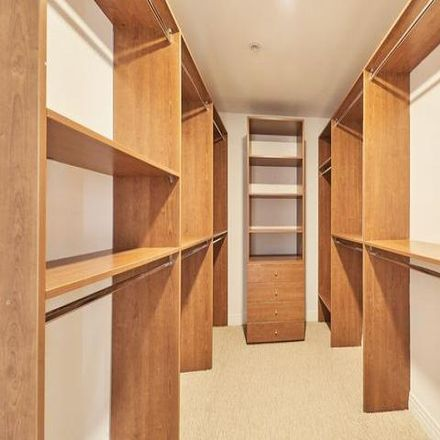 Rent this 3 bed condo on Saint Sebastian School in Colby Avenue, Los Angeles