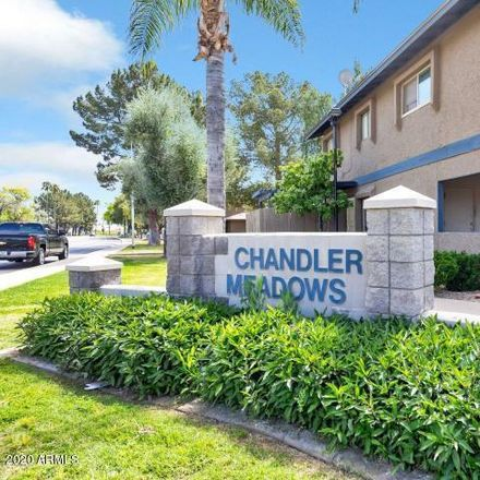 Rent this 2 bed townhouse on 286 West Palomino Drive in Chandler, AZ 85225