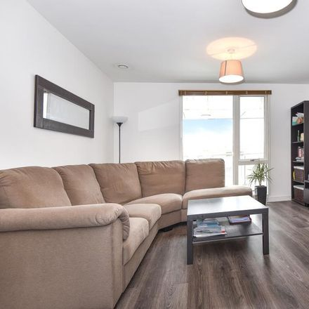 Rent this 1 bed apartment on Claremont Surgery in 2 Cookham Road, Maidenhead SL6 8AN