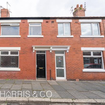 Rent this 3 bed house on Deepdale Road in Wyre FY7 6TY, United Kingdom