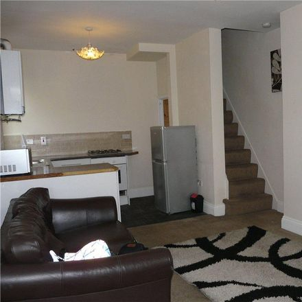 Rent this 2 bed house on SPAR in Hard Ings Road, Bradford BD21 3LX