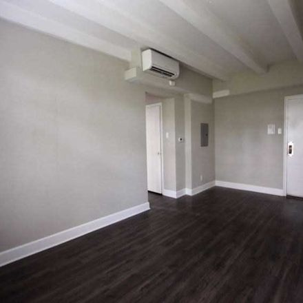 Rent this 2 bed apartment on The Raleigh in East 13th Street, Indianapolis