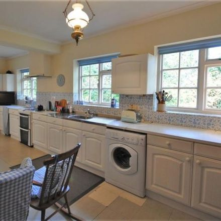 Rent this 4 bed house on Prestbury Court in Castle Rise, Prestbury SK10 4UR