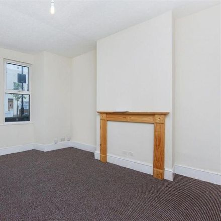 Rent this 3 bed house on Sandy Hill Road in London SE18 7BQ, United Kingdom