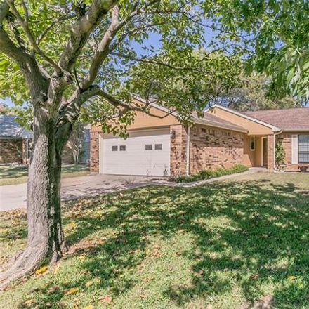 Rent this 4 bed house on 813 Heather Wood Dr in Grapevine, TX