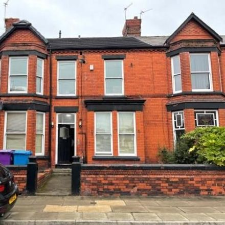 Rent this 5 bed house on Halkyn Avenue in Liverpool, L17