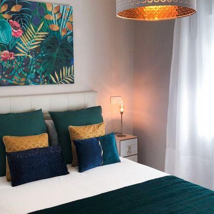 Rent this 2 bed apartment on Opticalia Ciudad Lineal in Calle de López de Hoyos, 295