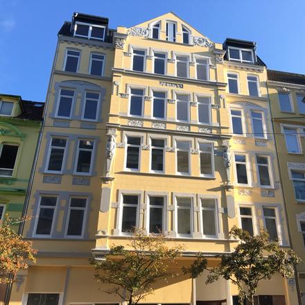 Rent this 3 bed apartment on Bürgermeister-Smidt-Straße 167 in 27568 Bremerhaven, Germany