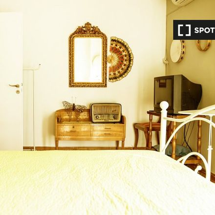 Rent this 3 bed room on gino in Θέτιδος 10, Athens