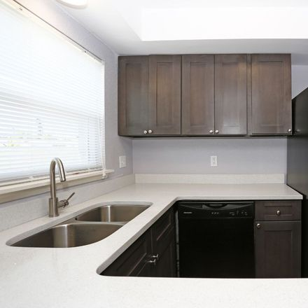 Rent this 3 bed apartment on 11542 124th Terrace North in Largo, FL 33778