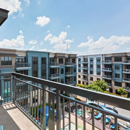 Rent this 3 bed apartment on 2082 Lyndhurst Avenue in Charlotte, NC 28203