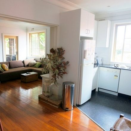 Rent this 2 bed apartment on 8/17 Plumer Road