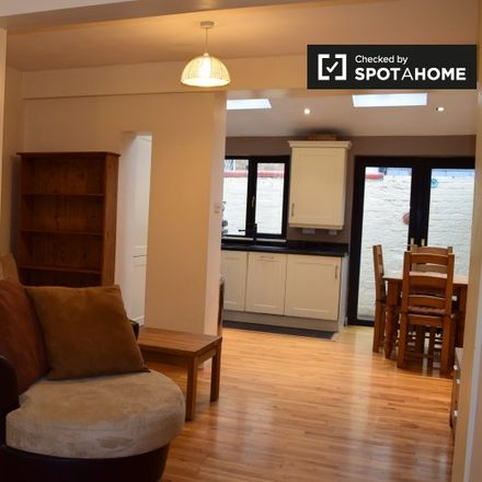 Rent this 2 bed apartment on 40 Home Villas in Pembroke West B ED, Dublin