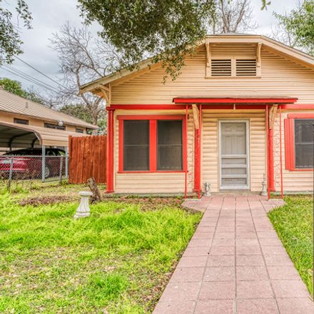 Rent this 3 bed house on 933 Lamar in San Antonio, TX
