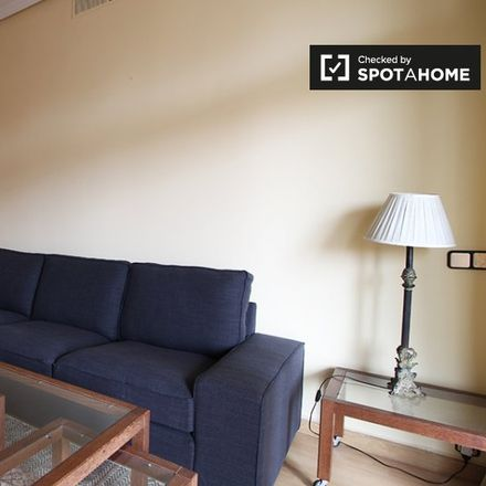 Rent this 1 bed apartment on NH Eurobuilding in Calle del Padre Damián, 23
