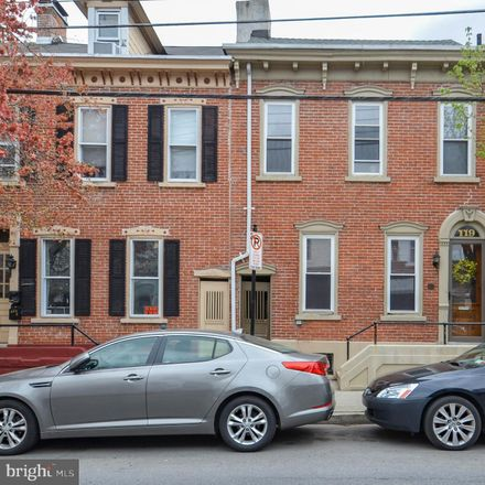 Rent this 3 bed townhouse on 119 North 12th Street in Allentown, PA 18102