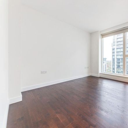 Rent this 2 bed apartment on Fraser House in Pump House Crescent, London TW8 0DQ