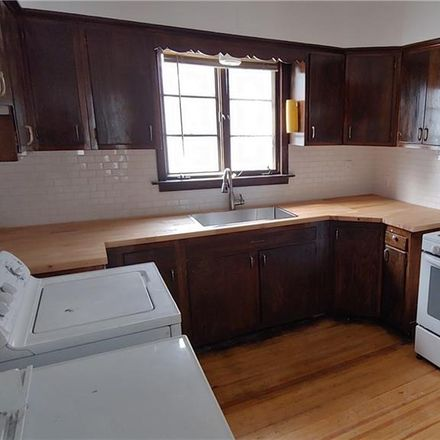 Rent this 3 bed apartment on 316 Bedford Avenue in Buffalo, NY 14216