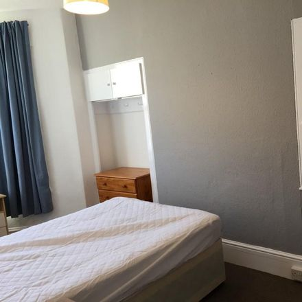 Rent this 5 bed house on Restormel Road in Plymouth PL4 6BL, United Kingdom