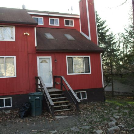 Rent this 3 bed loft on Water Front Dr in Greentown, PA