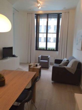 Rent this 1 bed apartment on Fossé aux Loups