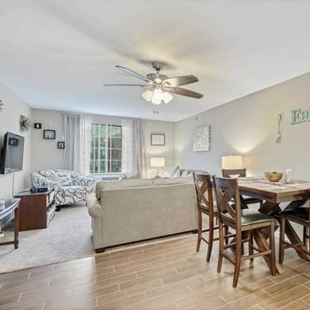 Rent this 3 bed condo on 2024 Hawthorne Lane in Mahwah, NJ 07430