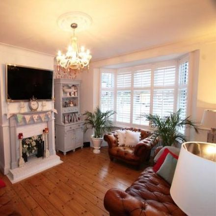 Rent this 3 bed house on 144 Greenvale Road in London SE9 1PD, United Kingdom