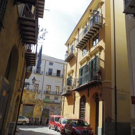 Rent this 3 bed apartment on Via Maletto in 90133 Palermo PA, Italy