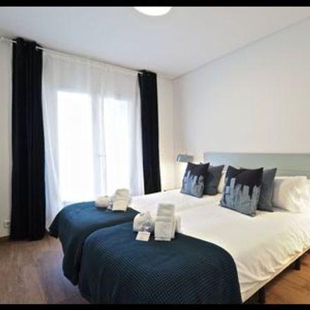 Rent this 4 bed apartment on Barcelona in la Dreta de l'Eixample, CATALONIA
