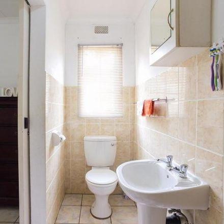 Rent this 3 bed townhouse on Von Weilligh Street in Johannesburg Ward 60, Johannesburg