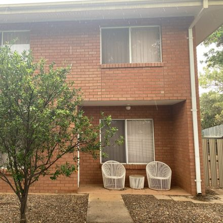 Rent this 3 bed house on 34/15 Adamson Avenue