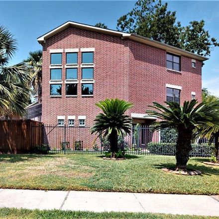 Rent this 3 bed house on 935 Algregg Street in Houston, TX 77009