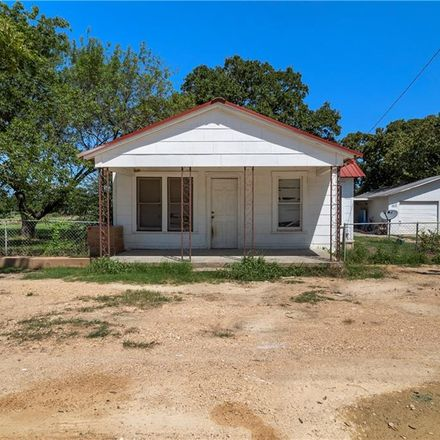 Rent this 3 bed townhouse on 4767 East Old Axtell Road in Axtell, TX 76624