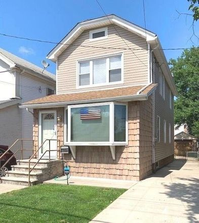 Rent this 3 bed house on E 61st St in Brooklyn, NY