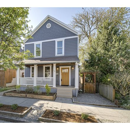 Rent this 3 bed house on 78 Northeast Stanton Street in Portland, OR 97212