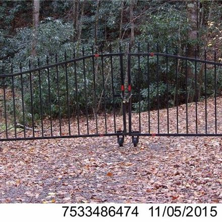 Rent this 2 bed house on Buck Top Rd in Franklin, NC