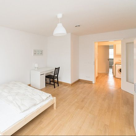 Rent this 3 bed room on Kohlstraße 7 in 80469 München, Alemania