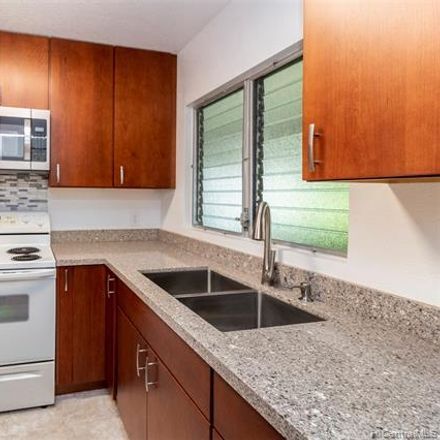 Rent this 2 bed townhouse on 212 Waiawa Rd in Pearl City, HI