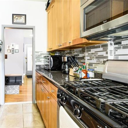Rent this 1 bed condo on 756 Brady Avenue in New York, NY 10462