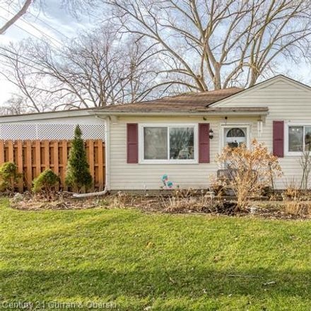 Rent this 3 bed house on 4992 Williams Street in Dearborn Heights, MI 48125