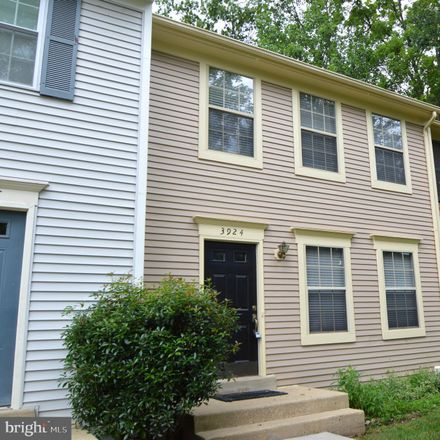 Rent this 3 bed townhouse on 3924 Collis Oak Court in Chantilly, VA 22033