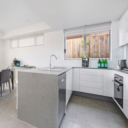 Rent this 2 bed apartment on 9/10-12 Lords Avenue