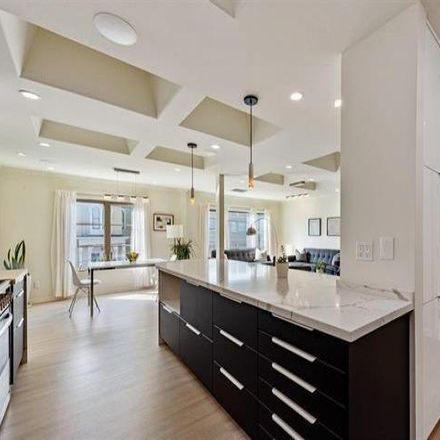 Rent this 3 bed condo on 1750 Greenwich Street in San Francisco, CA 94123