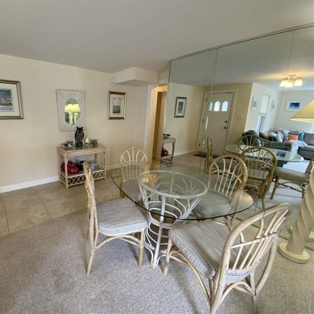 Rent this 3 bed apartment on 100 South Richards Avenue in Ventnor City, NJ 08406