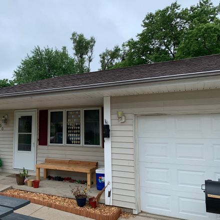 Rent this 3 bed duplex on 200 North Orchard Street in Mackinaw, IL 61755
