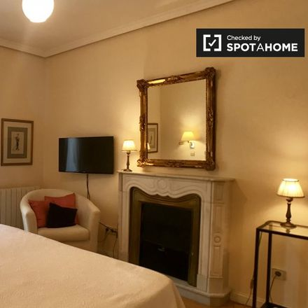 Rent this 3 bed apartment on Plaza de San Martín in 28001 Madrid, Spain