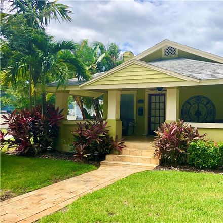 Rent this 2 bed house on 2nd Ave N in Saint Petersburg, FL